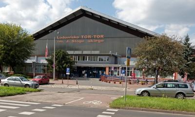 1280px-Torun,_Poland,_Tor-Tor_skating_rink