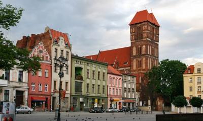 1024px-Toruń_-_Rynek_Nowomiejski_01