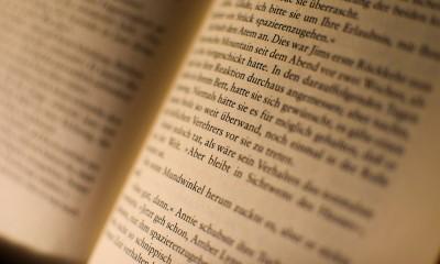 book-1070043_960_720