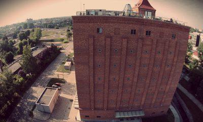 1200px-centrum_nowoczesnosci_mlyn_wiedzy_od_frontu