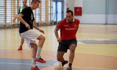 Uczestnicy charytatywnego turnieju walczyli do ostatnich sekund meczu (fot. A. Krawczyk/chillitorun.pl)