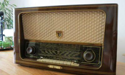 radio-476452_1920