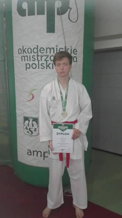 Mateusz Ciesielski – brąz, -75 kg, Kumite ind. klasyfikacja uniw. (4)