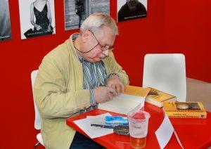Andrzej Sapkowski wykreował wyjątkowego bohatera (fot.wikipedia)