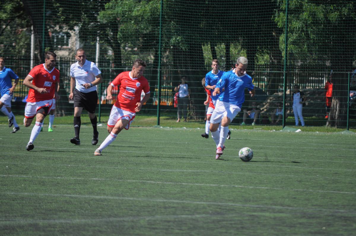 Swoje pierwsze mecze rozegrali dziś piłkarze (fot. Bartosz Tomczak/chillitorun.pl)