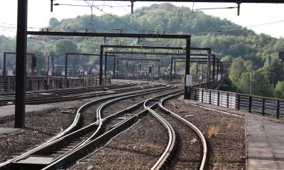 1280px-Metro_Charleroi_-_Beaux-Arts_tracks_1