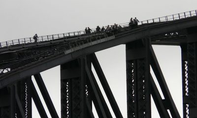 1024px-Sydney_harbour_bridge_bridgeclimb