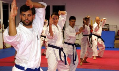 karate-class-spracticing-stances