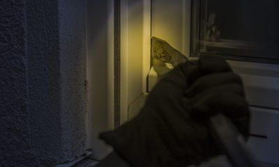 burglar-1678883_1280