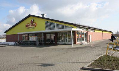 800px-Supermarket_Biedronka_in_Aleksandrow_Kujawski