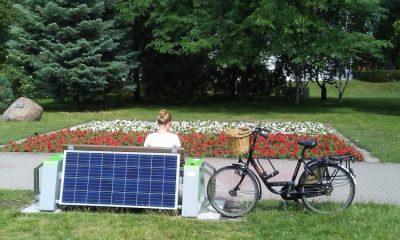 Ławka solarna daje sporo możliwości (fot. torun.pl)