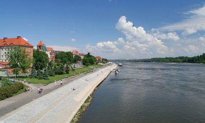 800px-Toruń_-_Bulwary_Wisły_01