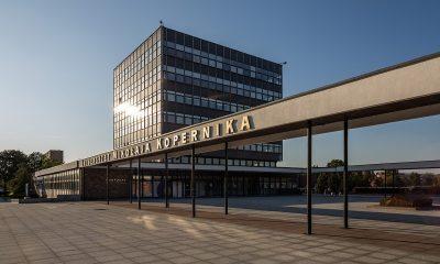 1280px-Toruń_rektorat_UMK