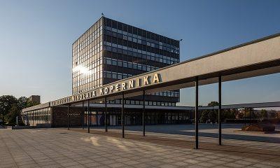 800px-Toruń_rektorat_UMK