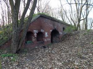 Remiza artyleryjska Fort VII (1)